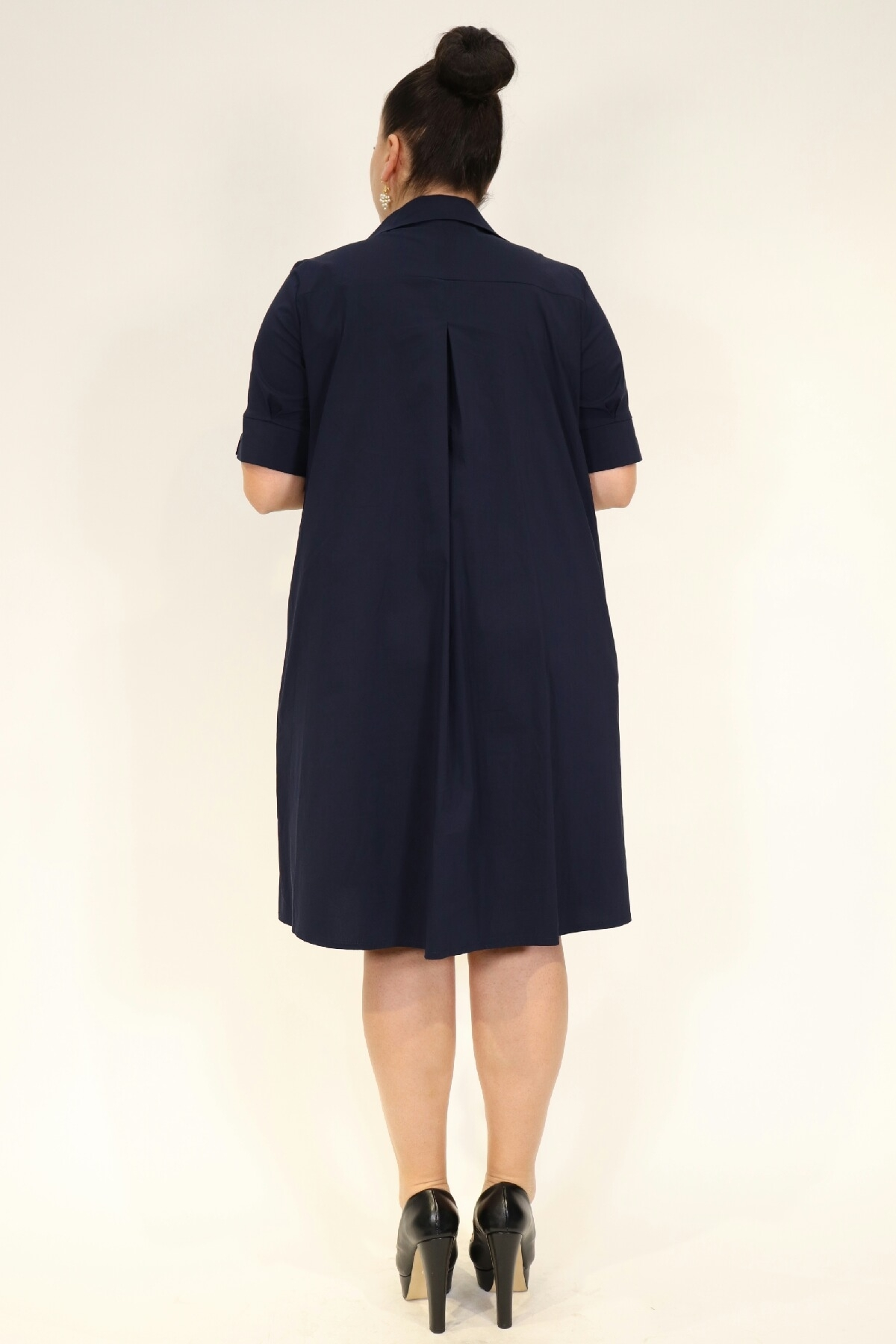 Short sleeve dress with flared button up dress with short sleeves and pockets